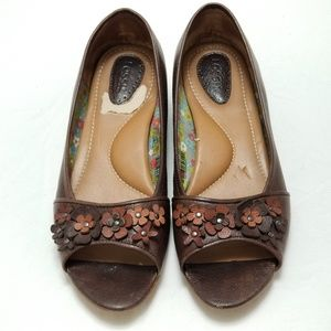 Fossil Brown Leather Floral Open Toe Flats Size 7